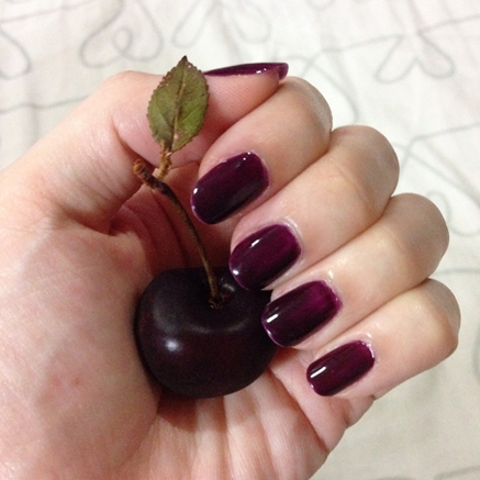 cherry-nailpolish