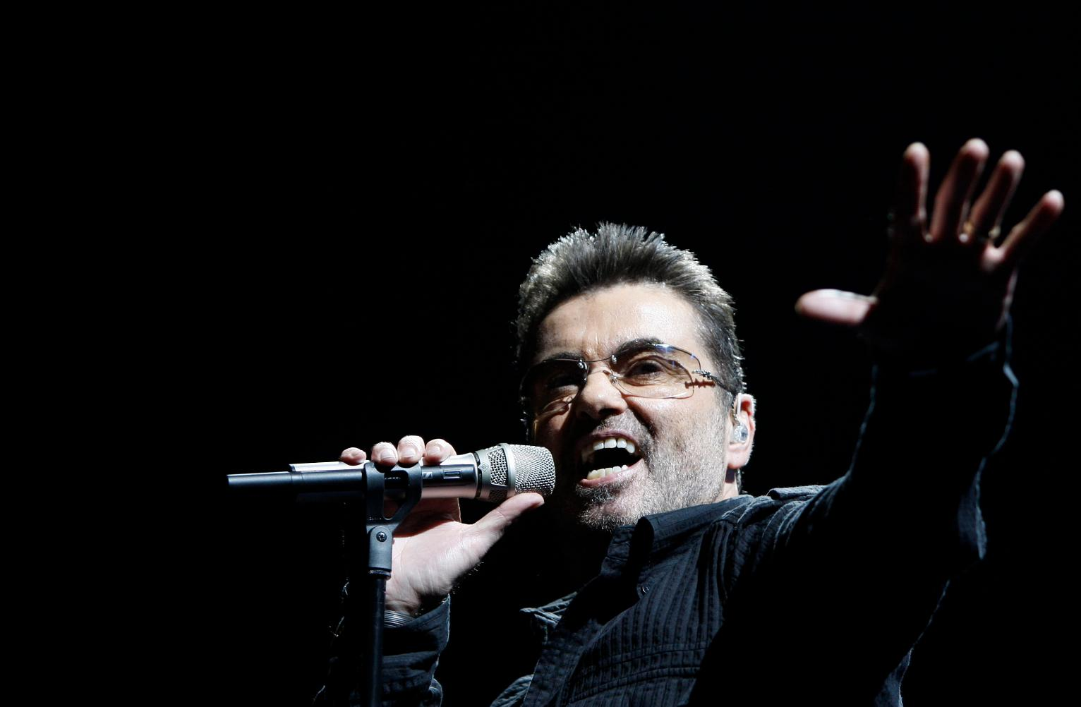george-michael-performing