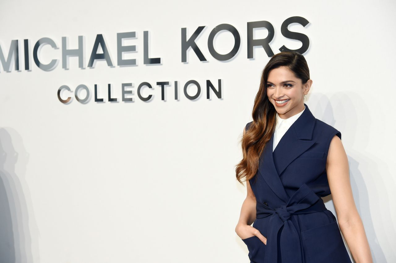 deepika-padukone-michael-kors-fashion-show-in-new-york-2-15-2017-3
