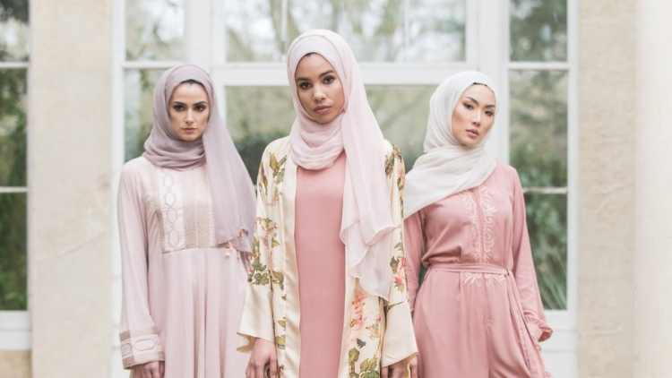How Fashion Has Finally Recognized The Chic Muslim Woman